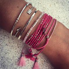 Composition de bracelets argent et rose - L'Atelier d'Amaya #femme #bijoux #rose #perles #fleche