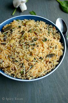 Spicy Treats: Mushroom Spinach Tomato Rice / Spinach Mushroom Tomato Rice
