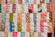 craftyblossom: scrappy bar quilt.