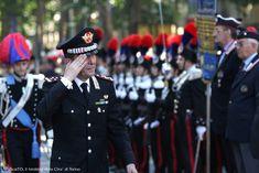 Il Generale Gallitelli passa in rassegna le truppe prima della sfilata