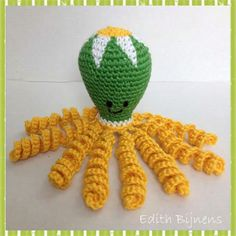 Dit inktvisje is gemaakt door Edith Bijnens. Crotchet, Knit Crochet, Crochet Hats, Preemie Octopus, Water Animals, Jellyfish, Creations, Dolls, Knitting