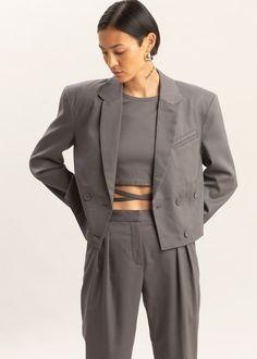 Emily Ratajkowski, Pinterest Mode, Tops Vintage, Mens Fashion Blazer, Trench Dress, Cropped Blazer, Prom Looks, Casual Street Style, Fashion Colours