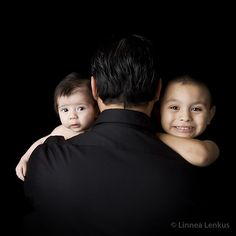 See this oustanding children family photography by this professional photography studio that produces the top portraits in two photo studios Los Angeles. Studio Portraits, Family Portraits, Family Photos, Young Family, Children And Family, Photography Photos, Children Photography, Child Photo, Toddler Photos