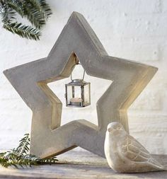Simple Christmas decoration ideas – Make stylish Advent decorations & candlesticks made of concrete Make your own Christmas decoration ideas from the trend material concrete for the Advent and Christmas season: from small supporters for … by roseandburke Cement Art, Concrete Cement, Concrete Furniture, Concrete Crafts, Concrete Projects, Concrete Design, Simple Christmas, Christmas Crafts, Christmas Decorations