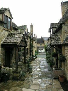 Broadway alley, Cotswold, Gloucestershire, England
