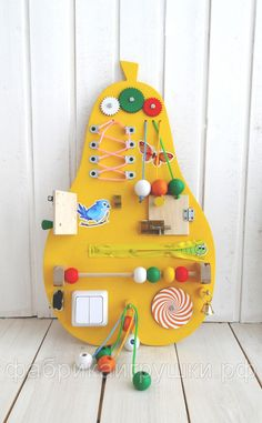 Bizzy boards for kids Toddler Activity Board, Toddler Learning Activities, Infant Activities, Toddler Toys, Baby Toys, Kids Toys, Diy For Kids, Crafts For Kids, Creative Kids Rooms