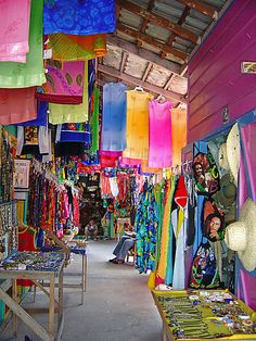 """Straw Market"" aka 'Craft Market', Montego Bay Jamaica  They make you grazy there it is so hot hot hot and they want to sell you everything and than you come out with some stuff for a lot lot of money onley to go out again becose they pick you up on the street brrrr"