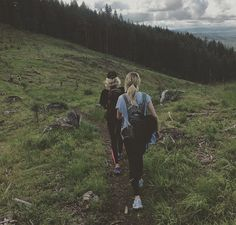 Hiking. Cute. Best friends. Nature. Outdoors. Walking. Candid. Stylish. Hiking. Outfits. Fit. Pine trees. Gorgeous. Picture ideas.