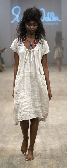 linen... *** so beautifully simple, I just adore this! This entire collection is fantastic (is a runway collection...foreign language Elle)!
