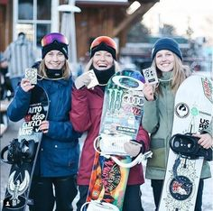 A huge CONGRATS to #NavitasInsider Jamie Anderson for killin' it at the Winter Xgames in Aspen! Our superfood-fueled superstar won her 14th medal and record 5th gold medal in the Women's Snowboard Slopestyle. #MustBeTheSuperfoods