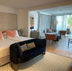 Mezcla de texturas Decor, Furniture, Sofa, Home Decor, Couch
