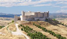 Where should I send your free meditation Places To Travel, Places To Visit, Places In Spain, Castle In The Sky, Walled City, Fortification, Spain And Portugal, Architecture Old, Medieval Castle