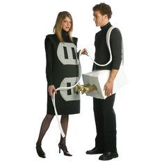 Image Halloween, Homemade Halloween Costumes, Cheap Halloween, Adult Halloween, Happy Halloween, Halloween Goodies, 2 Person Halloween Costumes, Halloween Customs, Halloween City