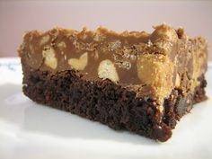 peanut butter cup crunch brownies... pure decadence!