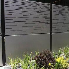 15 schönsten Stahlzaun Panels Wohnideen 15 most beautiful steel fence panels living ideas Wood Privacy Fence, Privacy Fence Designs, Concrete Fence, Cedar Fence, Decking Fence, Glass Fence, Fence Stain, Brick Fence, Pallet Fence