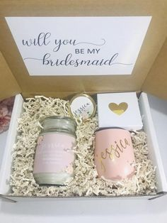 Gift Box for Bridesmaid Bridesmaid Gifts From Bride, Will You Be My Bridesmaid Gifts, Bridesmaid Gift Boxes, Bridesmaid Proposal Gifts, Bridesmaid Makeup, Personalized Bridal Party Gifts, Gifts For Wedding Party, Wedding Souvenir, Wedding Ideas
