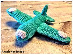 Gehaakte vliegtuig gratis haakpatroon #crochet plane free pattern
