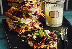 Geschmortes Kraut mit Orangen-Couscous Avocado, Hot Dogs, Sandwiches, Tacos, Couscous, Cheese, Cooking, Ethnic Recipes, Food