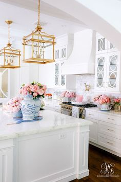 French Home Interior .French Home Interior Interior Design Career, Home Interior, Kitchen Interior, Home Decor Kitchen, Home Kitchens, Design Kitchen, Southern Kitchen Decor, Kitchen Ideas, Kitchen Trends