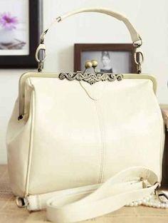 2994757b6beb Vintage Handtasche elfenbeinfarbend weiß Handtasche Ivory, Handtaschen,  Vintage Taschen, Handschuhe, Kleider,