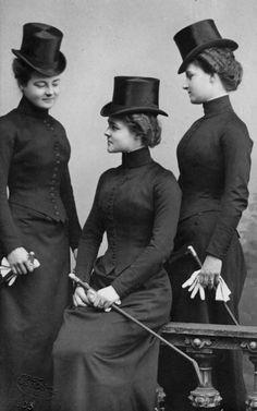 Sisters, from left: Princess Hermine (1887-1947), Princess Caroline (1884–1905) and Princess Emma (1881–1961) Reuss of Greiz