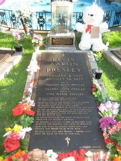 Elvis Aaron Presley's Final Resting Place - Graceland, Memphis, TN