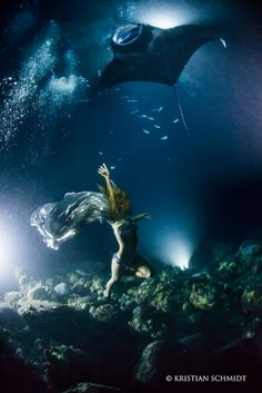 Dancing With Manta Rays in Midnight Underwater Photo Shoot