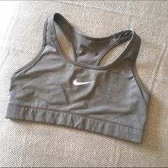 Nike Victory Sports Bra With a low profile and a racerback design, this Nike Victory compression bra is a versatile, everyday favorite. Nike Intimates & Sleepwear Bras