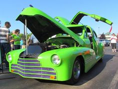 Eye Candy: Retro Roll In on Collector Car Appreciation Day 2015 | Classic Car News | ClassicCars.com