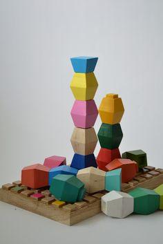 brancusi baby toy - column of infinity - color building blocks
