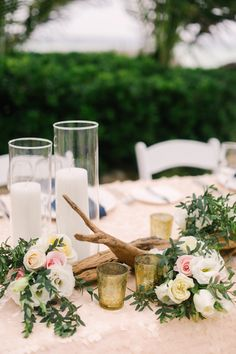 #driftwood, #centerpiece, #candle  Photography: Brandon Kidd Photography