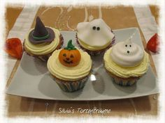 Silvia's Tortenträume: Mandel-Cupcakes mit Zitronencreme Mandel Cupcake Zitrone Topping lecker Halloween Geister Kürbis Hexenhut