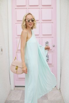 hm caftan teal dress, that pink door, vacation style, chloe drew bag