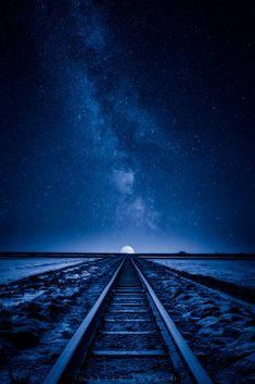 Blue Aesthetic Discover Blue Rising - a couple images brought together to complete a vision I had while there. Bedroom Wall Collage, Photo Wall Collage, Picture Wall, Sky Full Of Stars, Sky Aesthetic, Blue Hour, Scenic Photography, Train Tracks, Night Skies