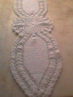 Caminho de mesa  em crochê - Lela Nascimento