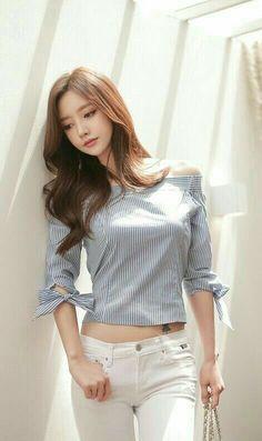 Son Youn Ju Fashion t Asian Sons and Korean Asian Fashion, Girl Fashion, Fashion Women, Look Girl, Cute Asian Girls, Asia Girl, Beautiful Asian Women, Korean Model, Asian Woman