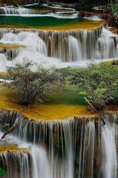 The amazing Mother Nature! ----- Discover the health benefits of Essential Oils - Gifts by Mother Earth! Beautiful Waterfalls, Beautiful Landscapes, Mother Earth, Mother Nature, Beautiful World, Beautiful Places, Beautiful Gorgeous, Landscape Photography, Nature Photography