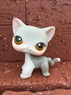 LPS  Grey Short Haired Cat #138 brown eye