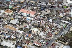 Korte tijd na de vorige verwoestende orkaan Harvey werd het Caraïbisch gebied opnieuw geteisterd door een nog zwaardere orkaan. Irma trok een spoor van zware vernieling over heel wat eilanden. Met windsnelheden tot bijna 300 kilometer per uur trekt de orkaan nu door van Puerto Rico naar de Dominicaanse Republiek en Haïti. Daarna volgen nog Cuba en Florida. De gevolgen van orkanen en andere extreme weersomstandigheden worden steeds erger door de opwarming van de aarde.