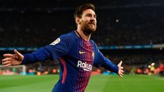 Messi shows off at Barcelona training