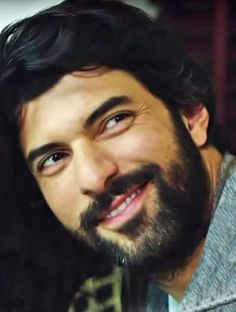 Engin Akyürek - Full of it! I like his on screen personally and I hope his real life personality is even better. Turkish Beauty, Robert Downey Jr, Turkish Actors, Best Actor, Best Tv, Looking Gorgeous, Hot Guys, Cool Photos, Handsome