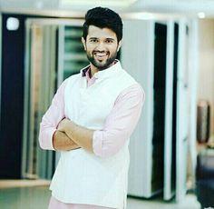 His smile killer Indian Groom Dress, Allu Arjun Wallpapers, South Hero, Vijay Actor, Chocolate Boys, Vijay Devarakonda, Indian Celebrities, Cute Photos, Telugu