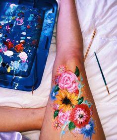 bold body painting art ideas to try; Leg Painting, Painting & Drawing, Belly Painting, Freetime Activities, Skin Paint, Body Paint, Leg Art, Painting Inspiration, Body Art Tattoos
