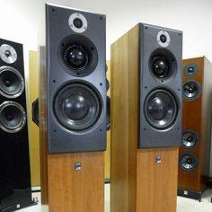 ATC SCM40 Loudspeakers - Pre Owned Condition Pre owned Original packaging Yes Speaker grills Yes Floor spikes Yes Serial number 1227 1228