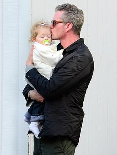 Eric Dane and his daughter Georgia  This is so cute!!!! Fatherly Love !!!!