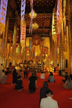 Chiang Mai's glittering Buddhist temples - Fantastic stopover when travelling to Koh Samui Ko Samui, Samui Thailand, Chiang Mai Thailand, Thailand Travel, Buddhist Temple, Buddhist Art, Theravada Buddhism, Wanderlust, Paradise On Earth