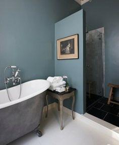 salle de bain : douche et baignoire rétro, peinture