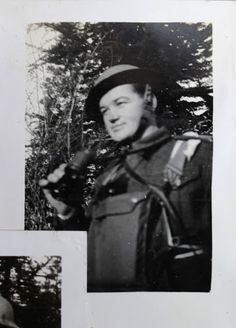 Jan Kubiš at the training in Great Britain. Army Reserve, Rotc, We Will Never Forget, Paratrooper, Great Britain, Old Photos, Ww2, Hero, History