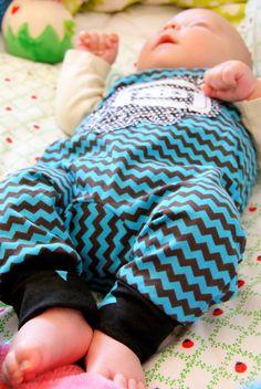 http://le-kimi.blogspot.de/2014/07/freeeeeeeeebook-strampelhose-mikey.html