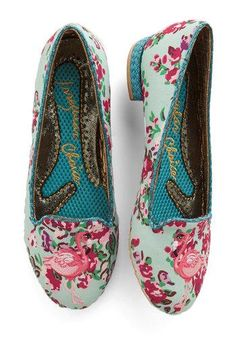 Standing Elation Flat by Irregular Choice